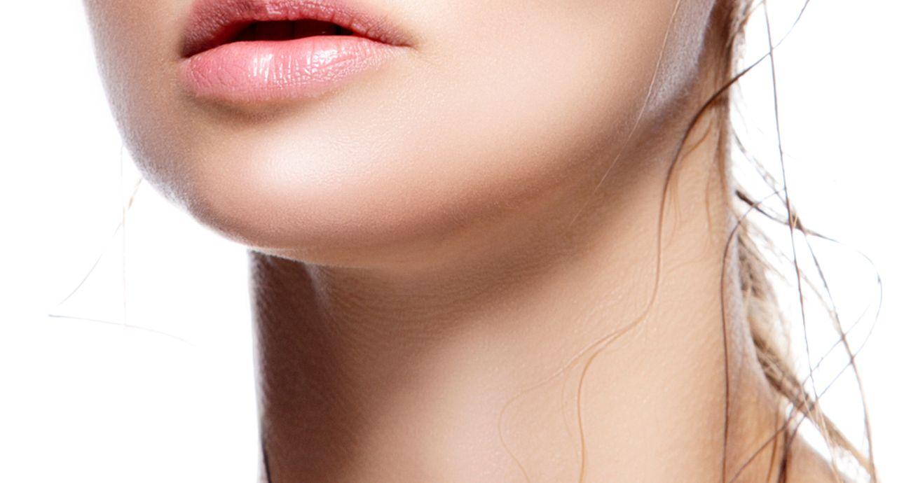 唇が薄い人に合うリップとは?メリットとデメリット、塗り方を紹介