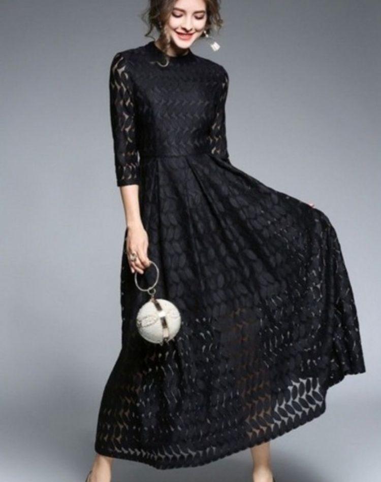 黒ワンピースをカジュアルに着こなす!【年代別】上手な着こなし特集