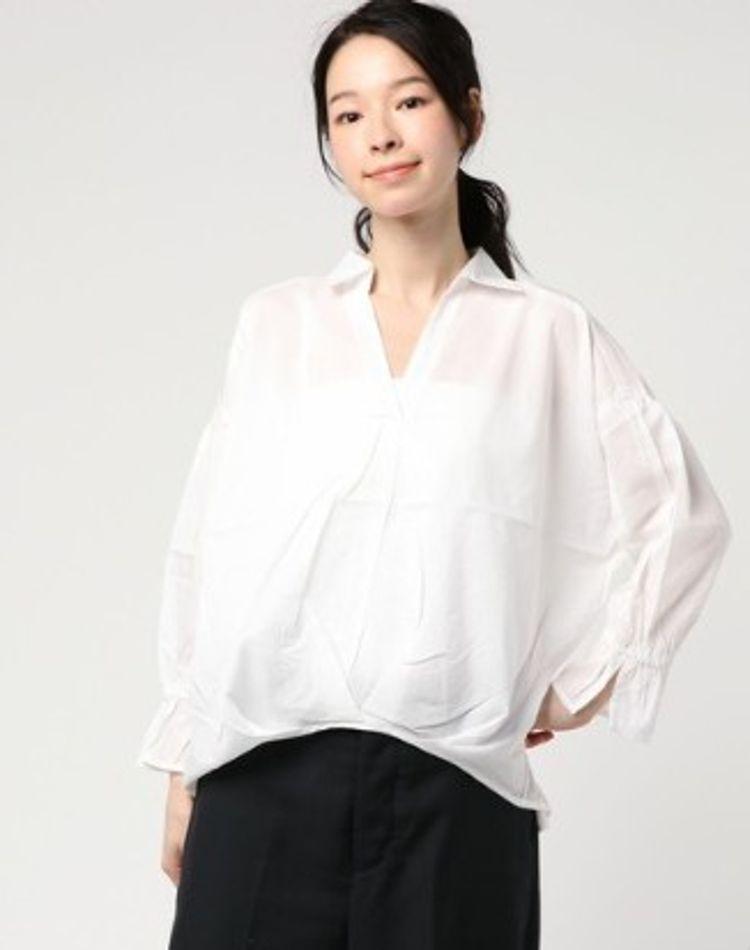 オーバーサイズ白シャツコーデ集!白シャツのブランドもご紹介