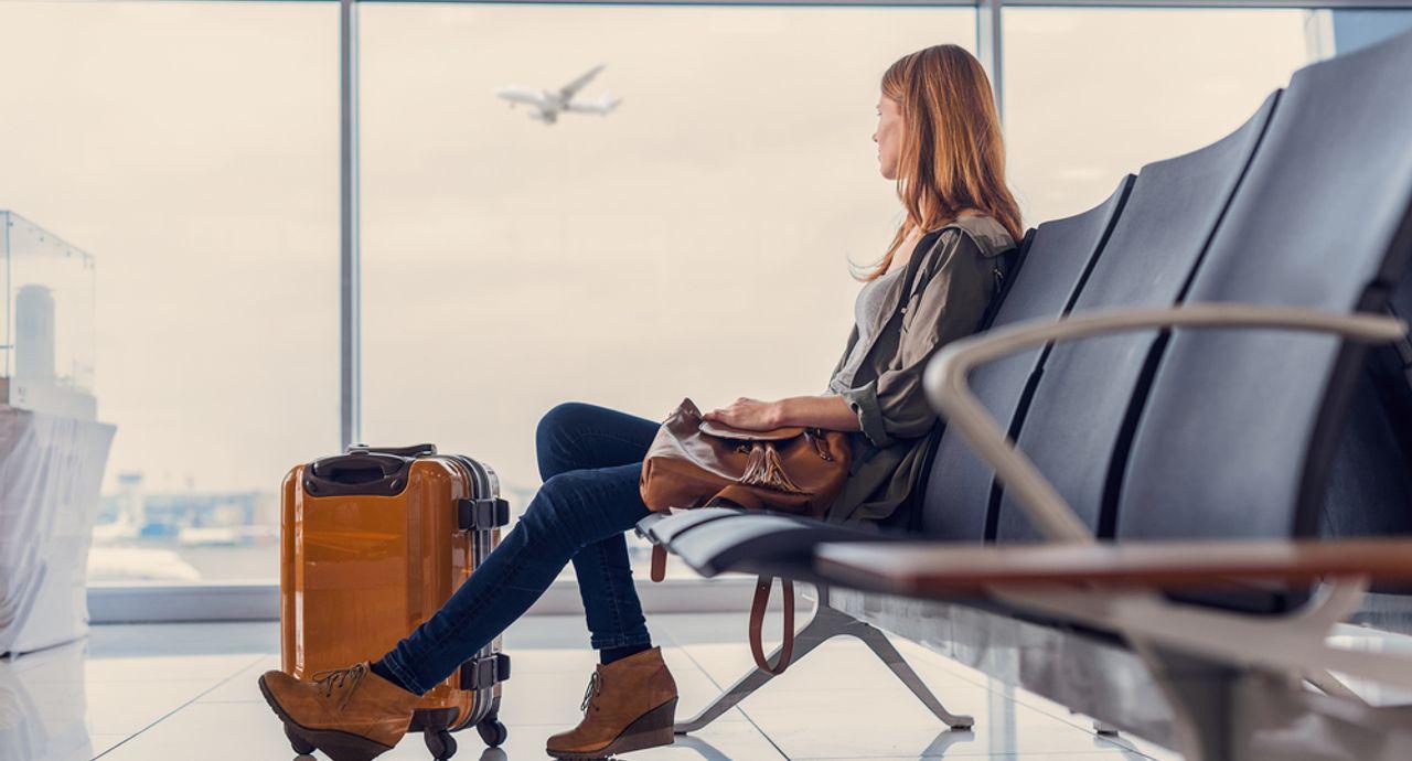 飛行機で寝れない原因と対策法!快適なフライトを過ごすためには?