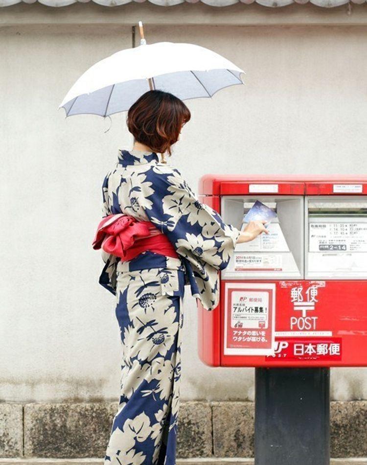 日傘の人気アイテムと選び方は?日差しの強い夏を快適に過ごす必需品!