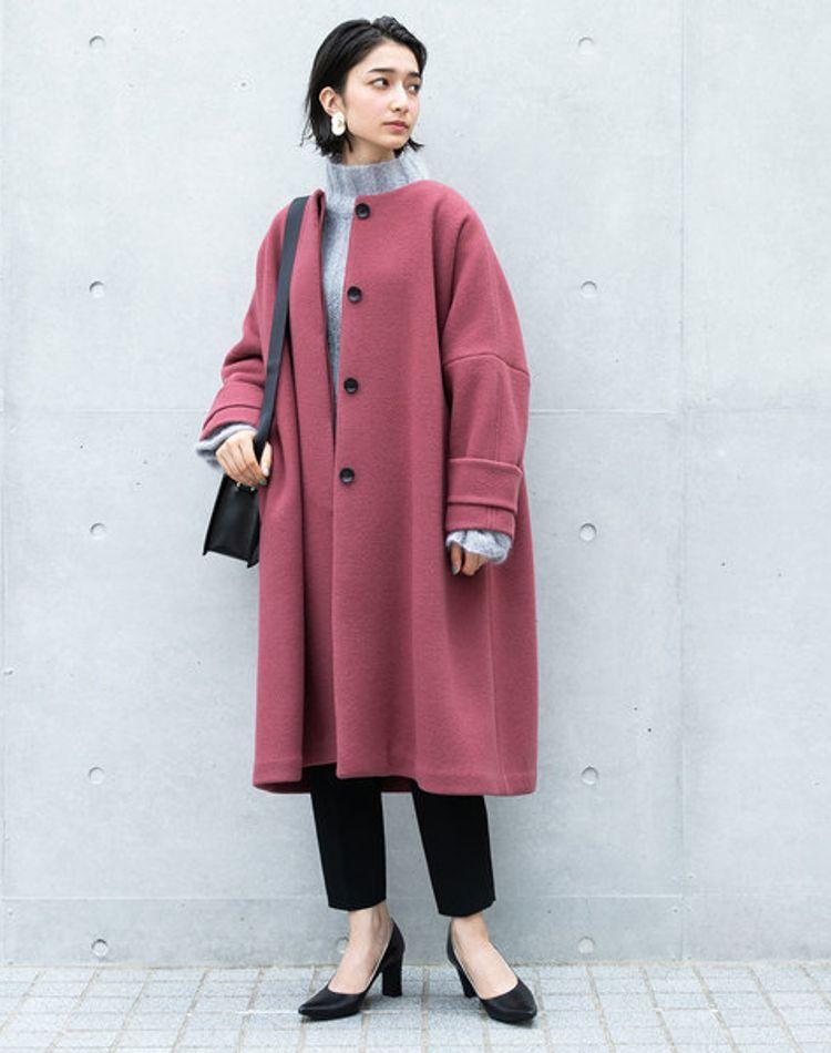ノーカラーコートのコーデ18選。合わせる服やレディースの着こなし