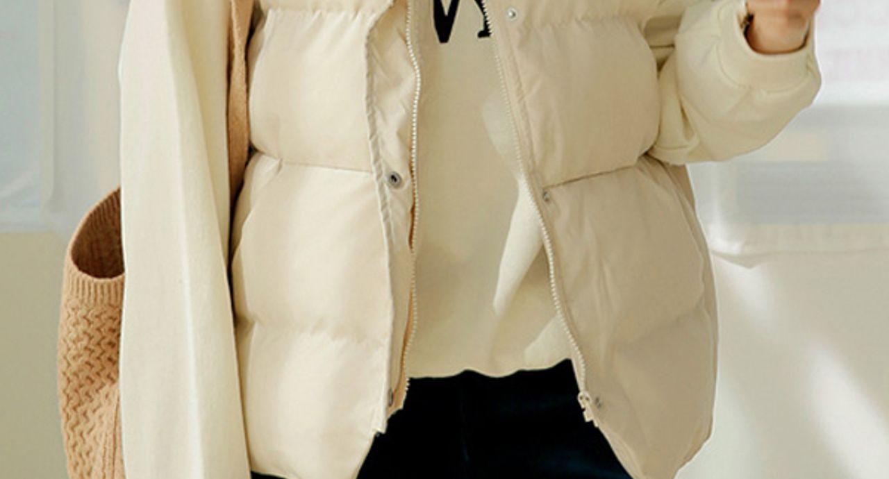 白いダウンで楽しむ冬コーデ!様々なシーンにふさわしい着こなしを