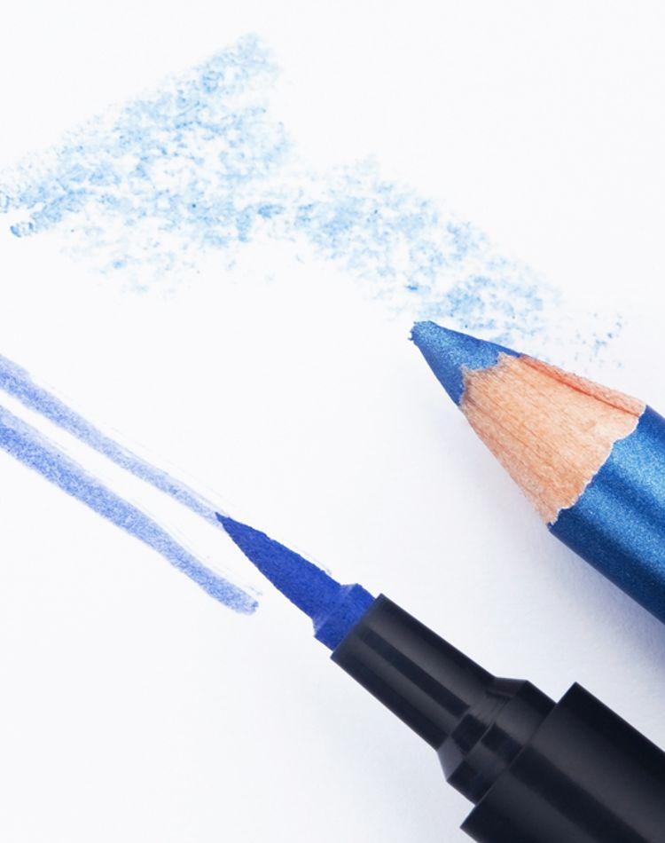 ブルーのアイライナーの使い方は?仕上がりの印象や注意点をご紹介