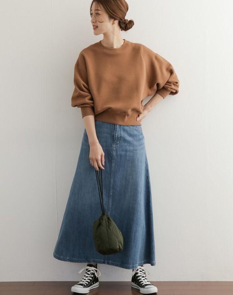 40代のデニムスカートの着こなし方!NG例や季節別の大人コーデ