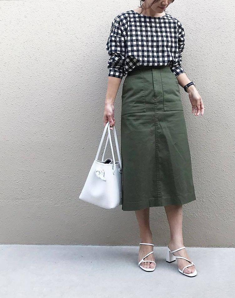 ユニクロのベイカースカートが人気!特徴やサイズ感とコーデ10選