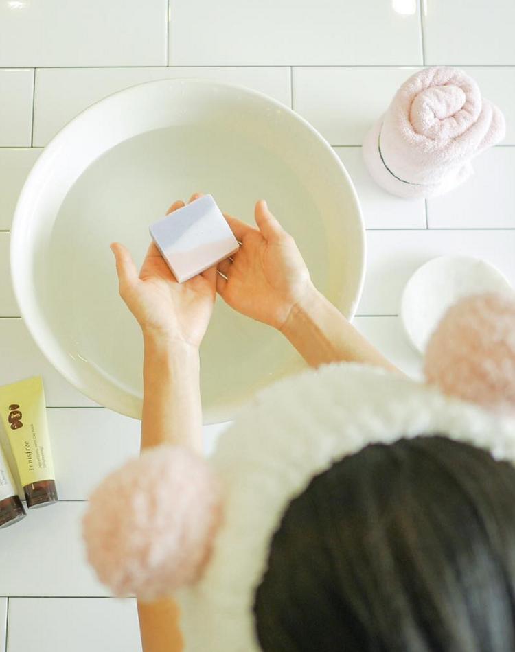 炭酸水洗顔ってどうやるの?効果や正しい使い方について伝授