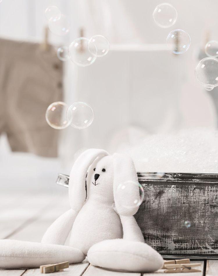 雨の日の洗濯物は外干し?部屋干し?早く乾かす方法や臭い対策ご紹介