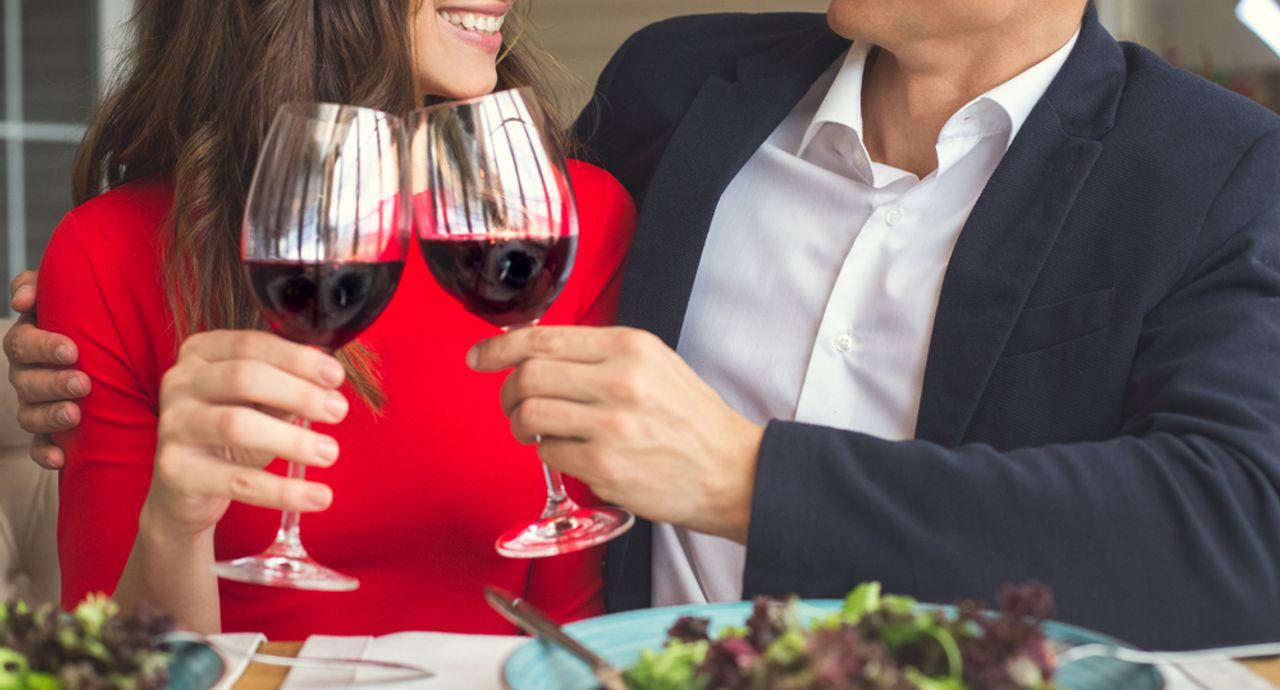 初デートの食事は大切!おすすめの場所や服装、会話のマナーなど