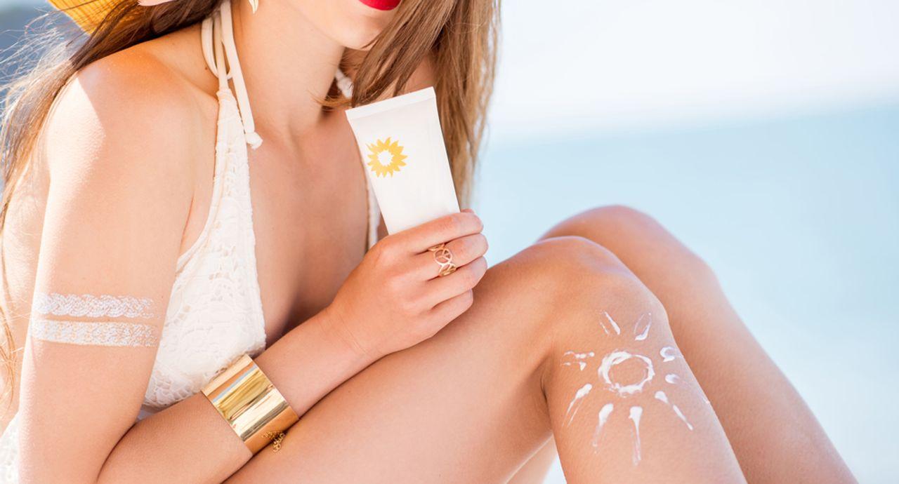 夏は首の日焼け対策も忘れずに!うっかり日焼けの正しいお手入れ方法
