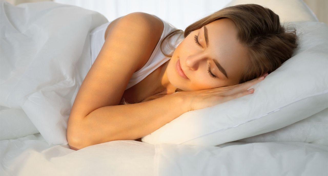 【冬の乾燥対策】塗って寝るだけで、翌朝モチモチお肌になれる簡単ケア