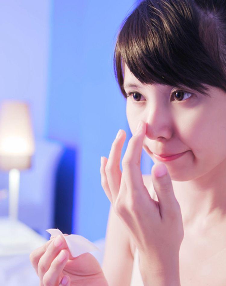 いちご鼻の原因とは?なかなか治らない毛穴の黒ずみ解消方法