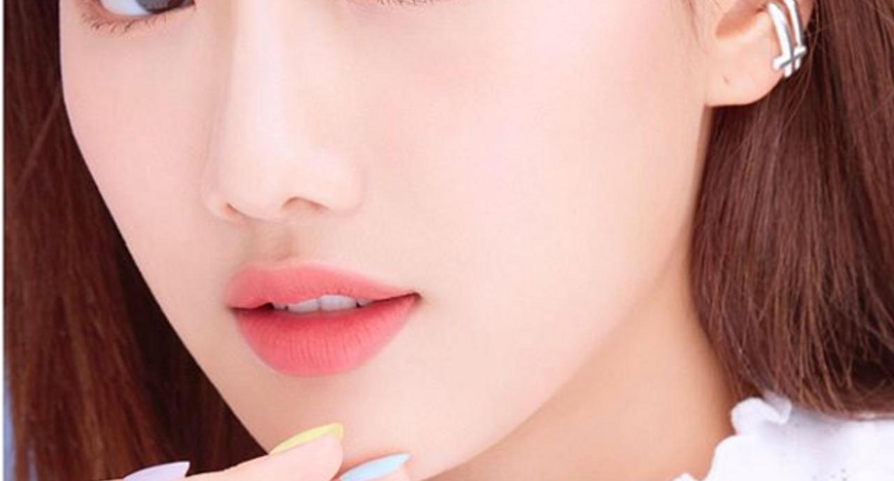 頬のくぼみは何が原因?改善する方法や目立ちにくくするための方法