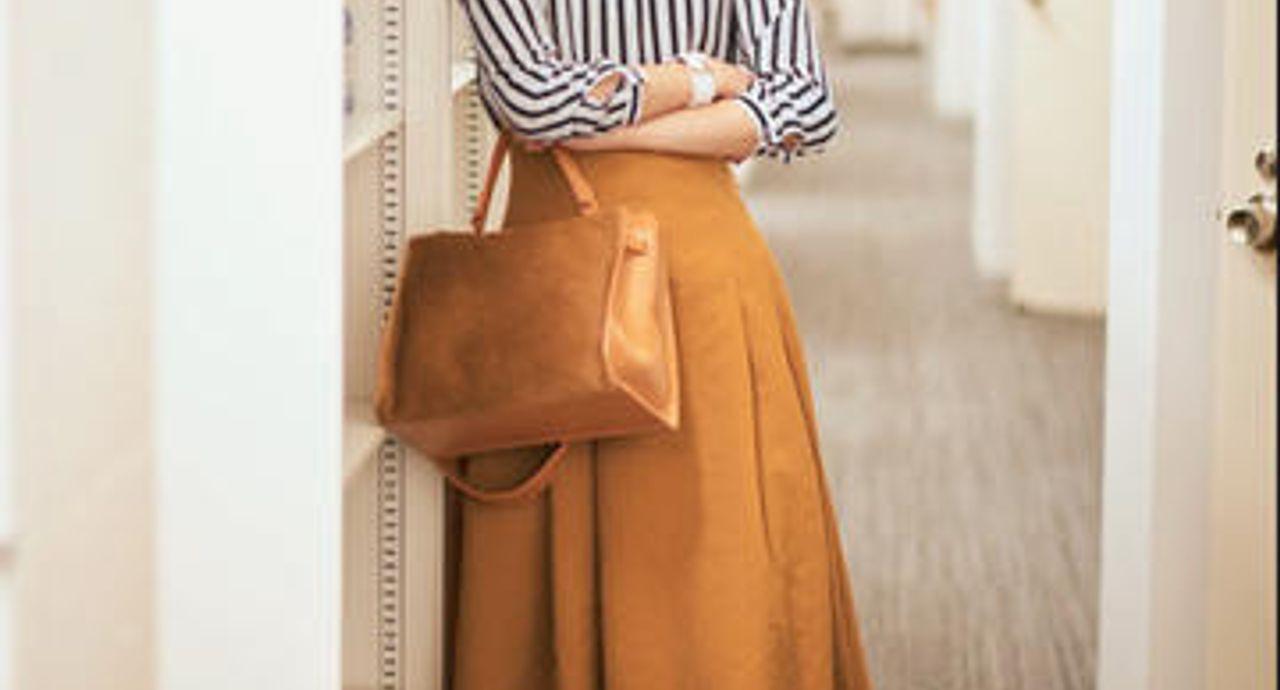 マスタード色のスカートのコーデは?春夏秋冬、季節ごとにご紹介!