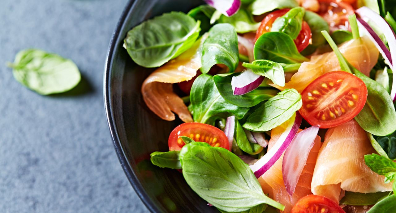 サラダの効果は盛りだくさん!ダイエットにおすすめメニューもご紹介