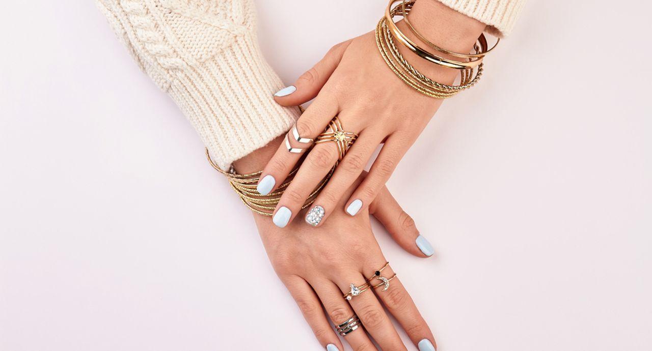 指輪をつける位置に隠された意味とは?意識して指輪をつけてみよう!