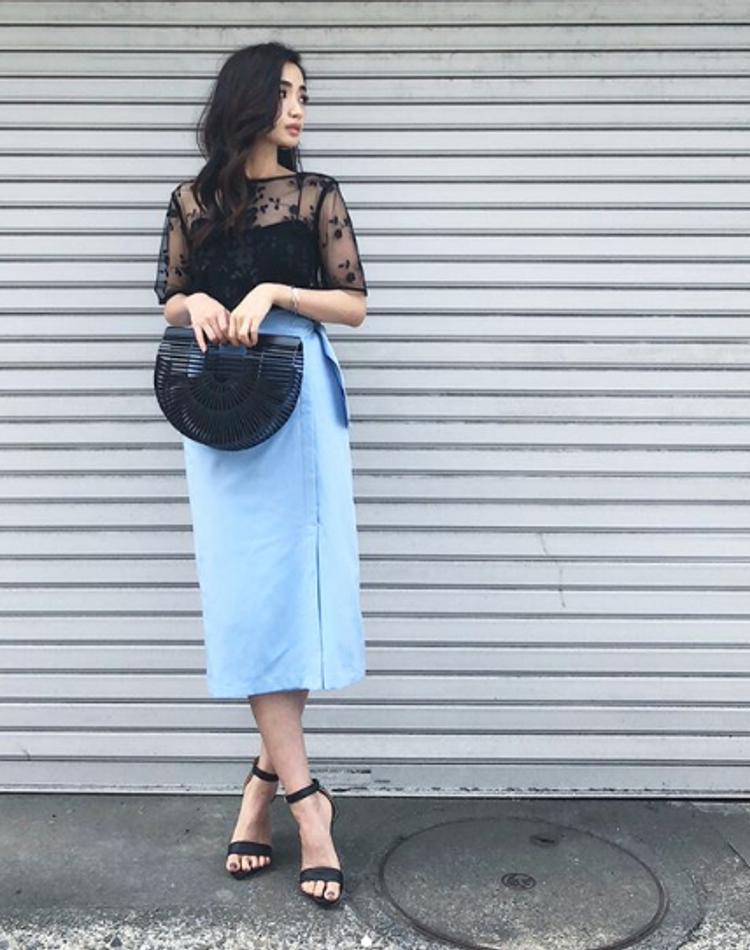 2018年水色スカートはこう着る!季節別におしゃれコーデを公開