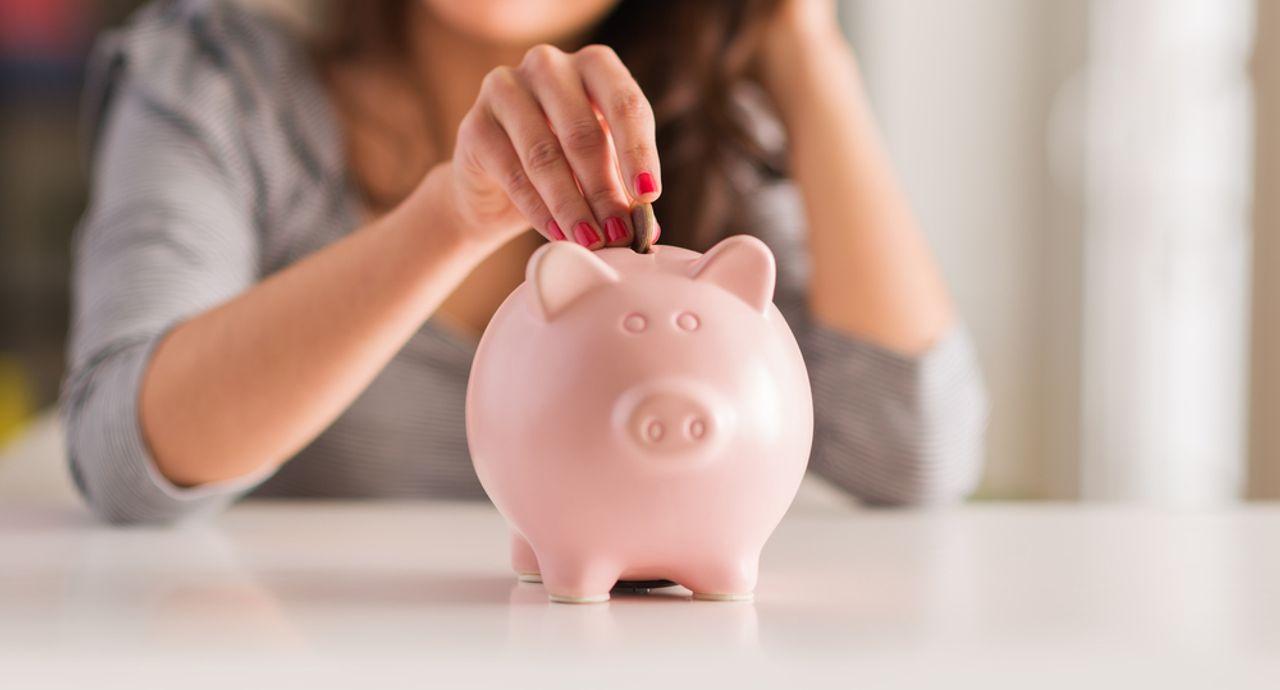 一人暮らしの平均貯金額は?毎月の貯金額の目安やお金を貯める方法