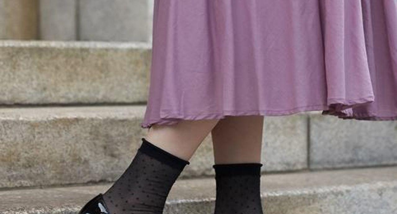 靴下×パンプスで好バランスを叶える!ダサく見えないコーデポイント