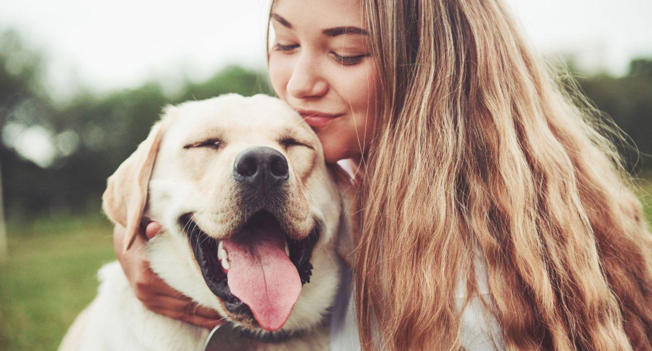 かわいい犬系女子が愛されるヒミツって?犬系女子の特徴をご紹介