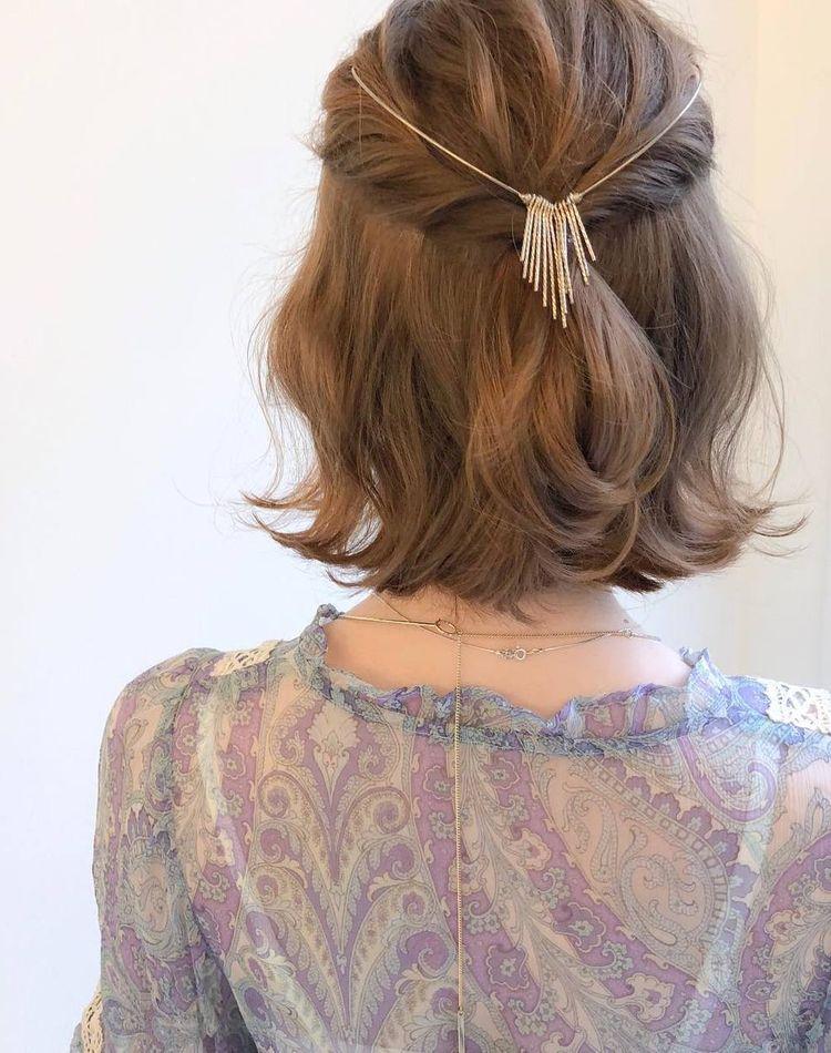 バックカチューシャで後ろ髪を可愛く変身!付け方やヘアアレンジ術9選
