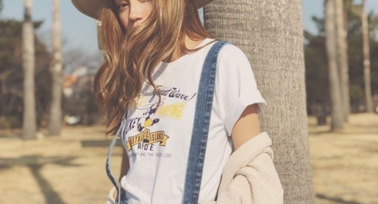サーファーファッションのレディースコーデ。人気ブランドや着こなし