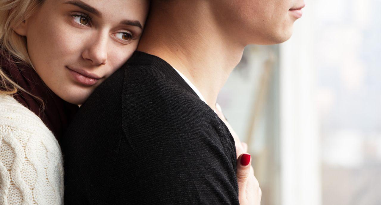 彼氏が冷たい態度の時ってどうすればいい?対処法や話し合いの仕方