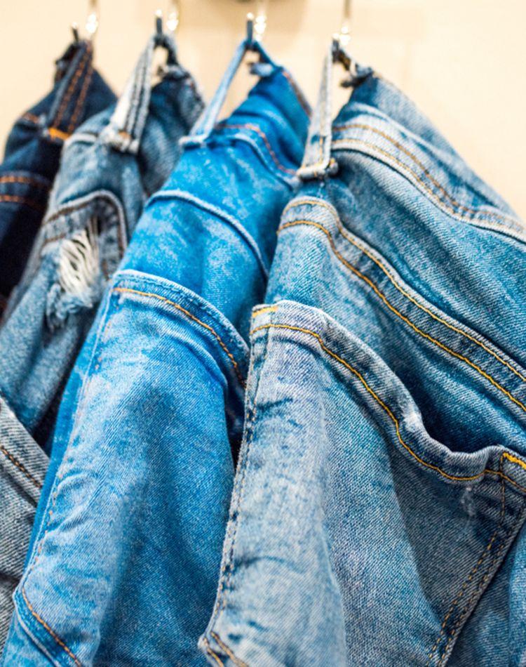 目からウロコのズボンの収納方法!たくさんのパンツをすっきり収納するには?