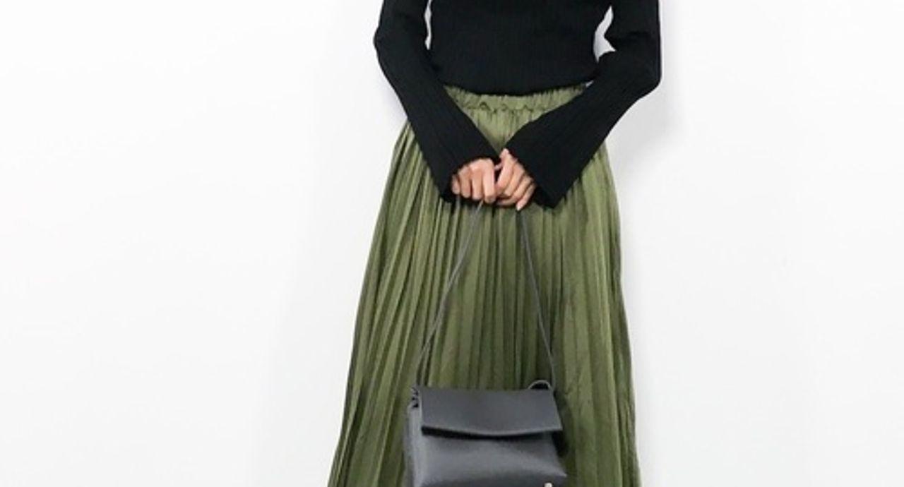 モスグリーンのスカートが旬!秋冬にぴったりのシックな大人コーデ