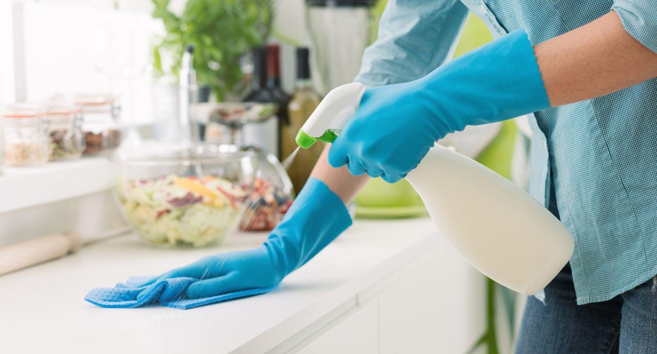 エタノールが掃除に大活躍!注意点や無水エタノールの使い方もご紹介