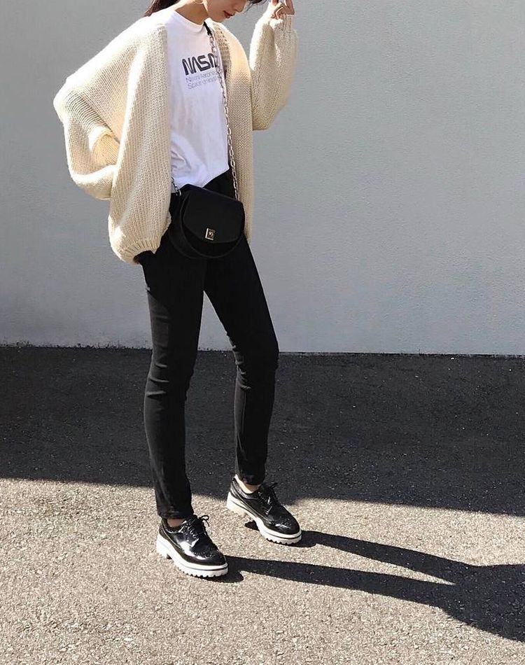 気温15度の服装は?最高・最低気温や季節別おすすめコーデ36選