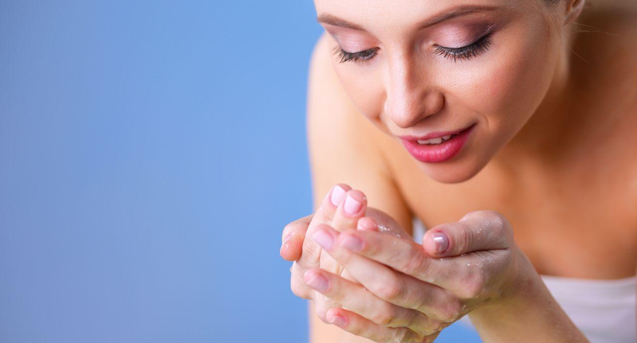 ニキビを防ぐ洗顔料の選び方は?正しい洗顔方法もご紹介