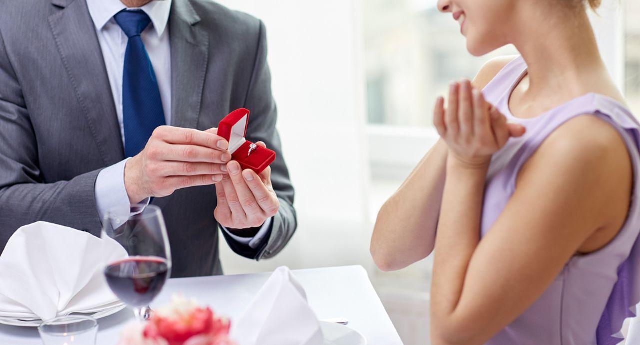 婚活リップでゴールイン!「効果があった」と話題のリップ14選