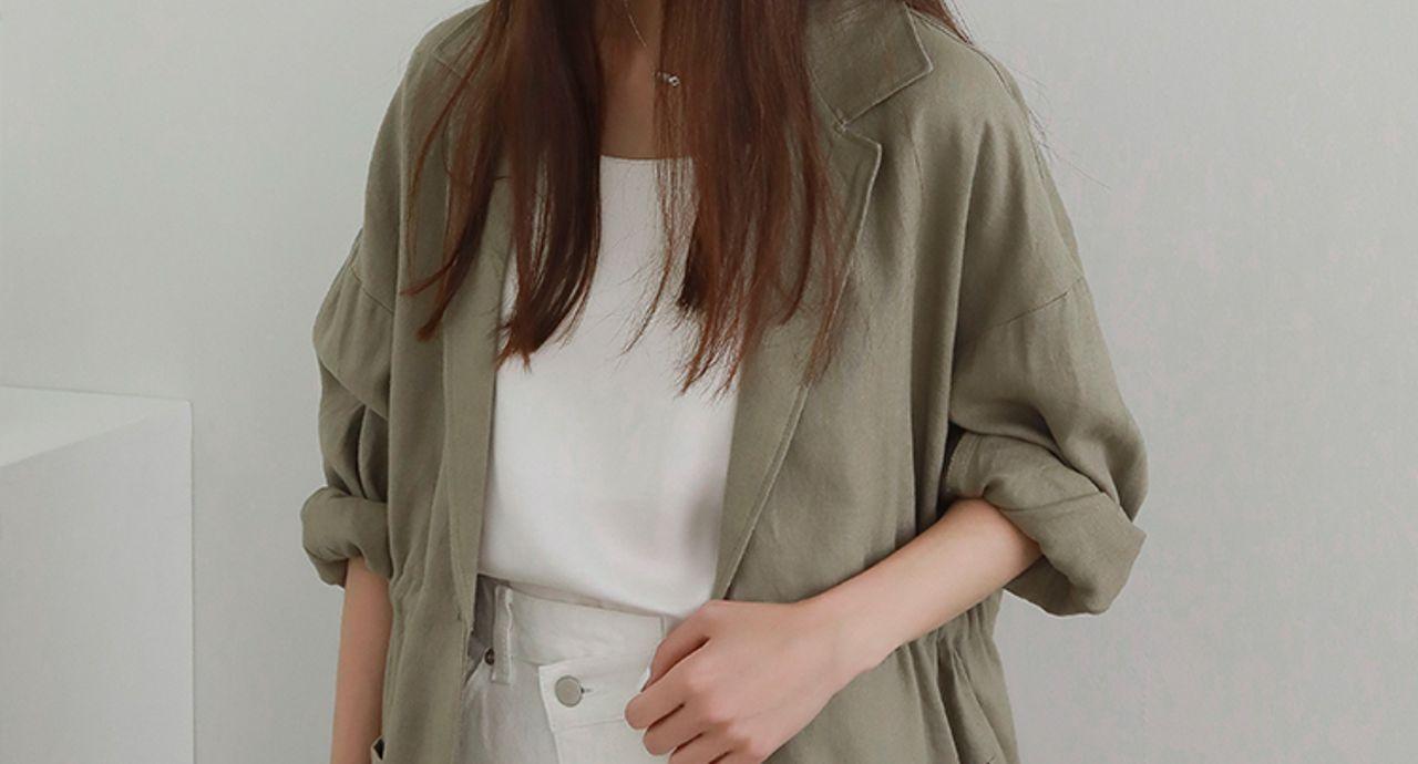 レディースのジャケットコーデは万能のオリーブ色で!旬の着こなし術