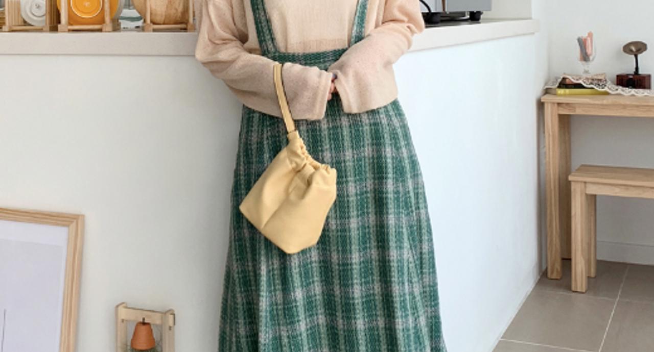 サロペットスカート【ロング】コーデ9選!シーン別の着こなしを解説