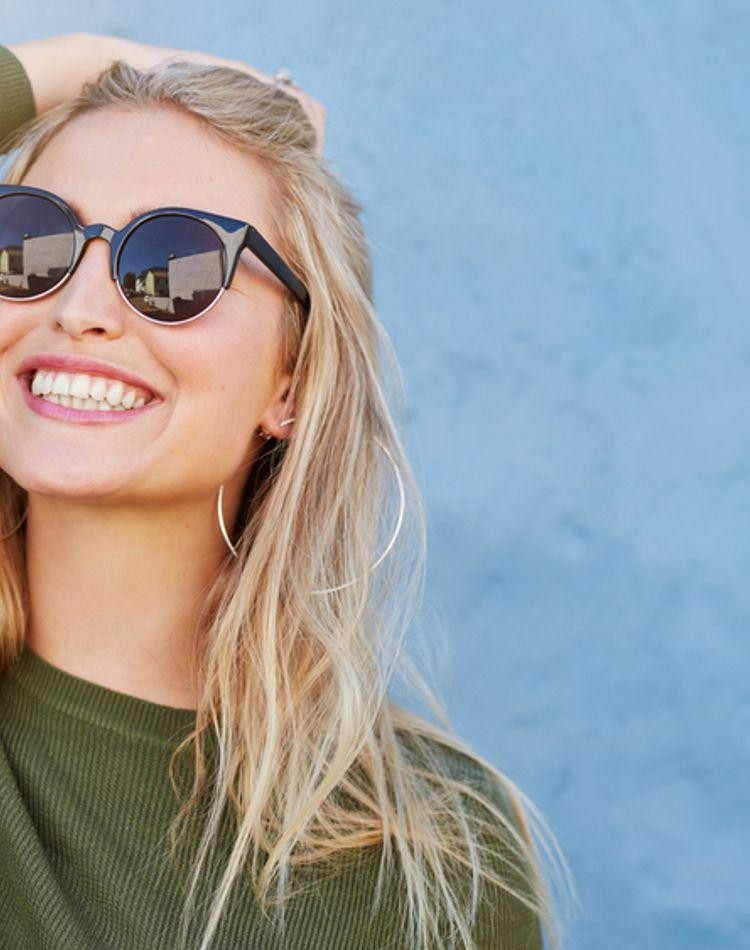 目も日焼けするって本当?紫外線が及ぼす影響や目を守るUVケア方法