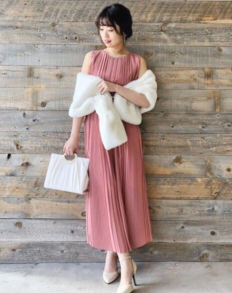 冬の結婚式での正しいドレスコードとは?基本マナーやおすすめコーデ