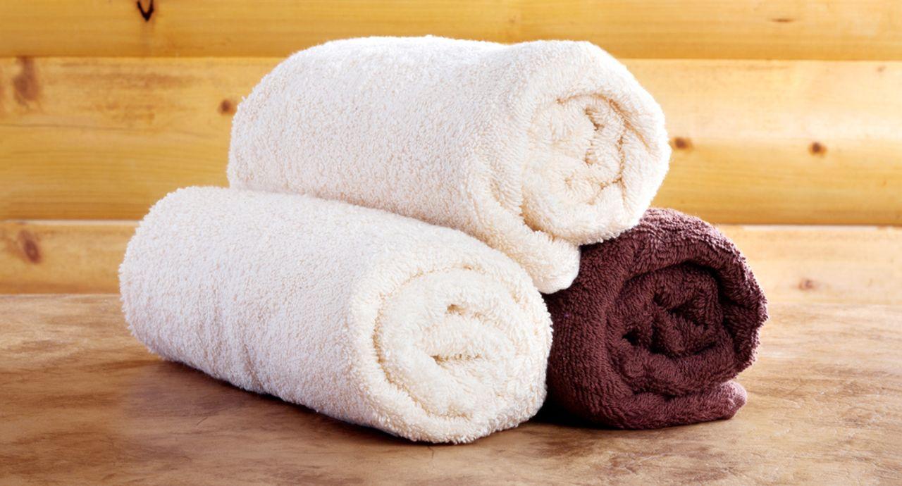 蒸しタオルを肌に乗せる効果とは?正しいやり方や注意点など
