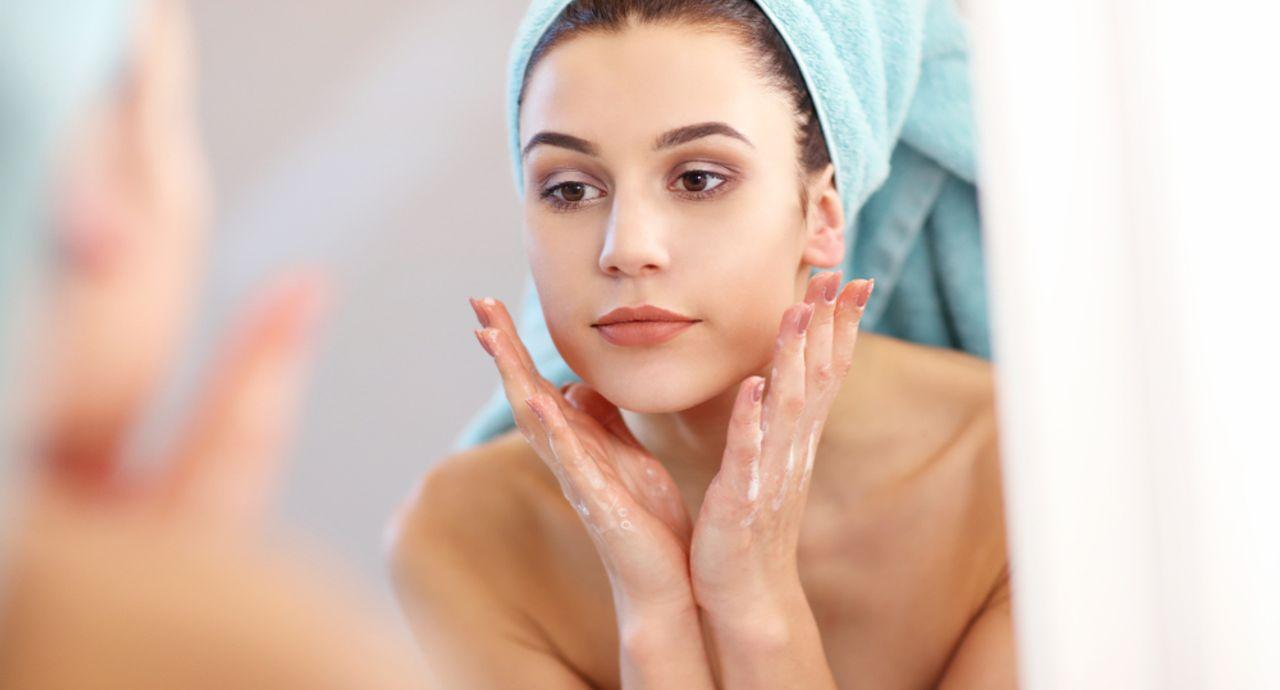毛穴の黒ずみを除去したい!おすすめのケアや洗顔方法をご紹介