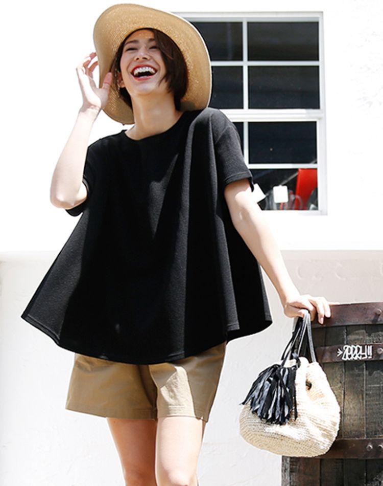 AラインTシャツはシルエット重視のコーデに!着痩せスタイルご紹介