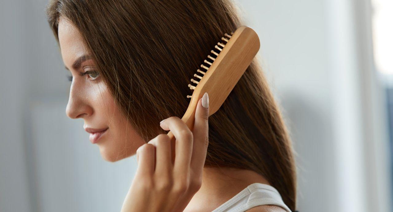 女性必見の薄毛対策!薄毛になる原因やシャンプーの選び方について