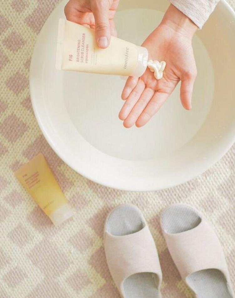 炭酸水洗顔は肌に良いの?正しいやり方や炭酸水の作り方をご紹介