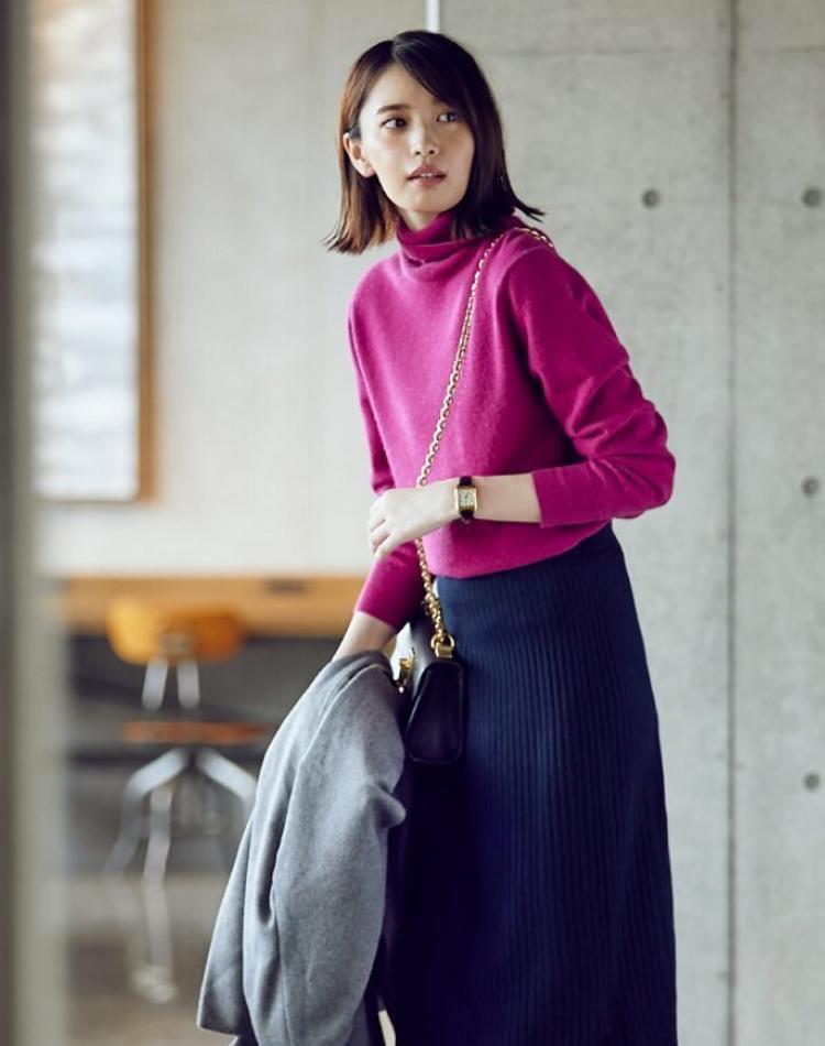 ユニクロのカシミヤセーターが優秀すぎる!色別コーデやお手入れ方法