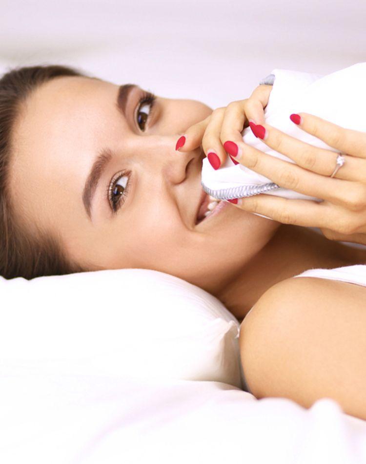 朝にむくみが起きる原因は?予防策やむくみ解消方法をご紹介