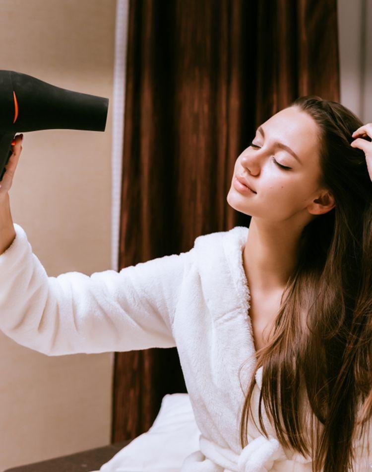 頭皮が臭い原因は?正しい洗髪方法や対処法についてご紹介