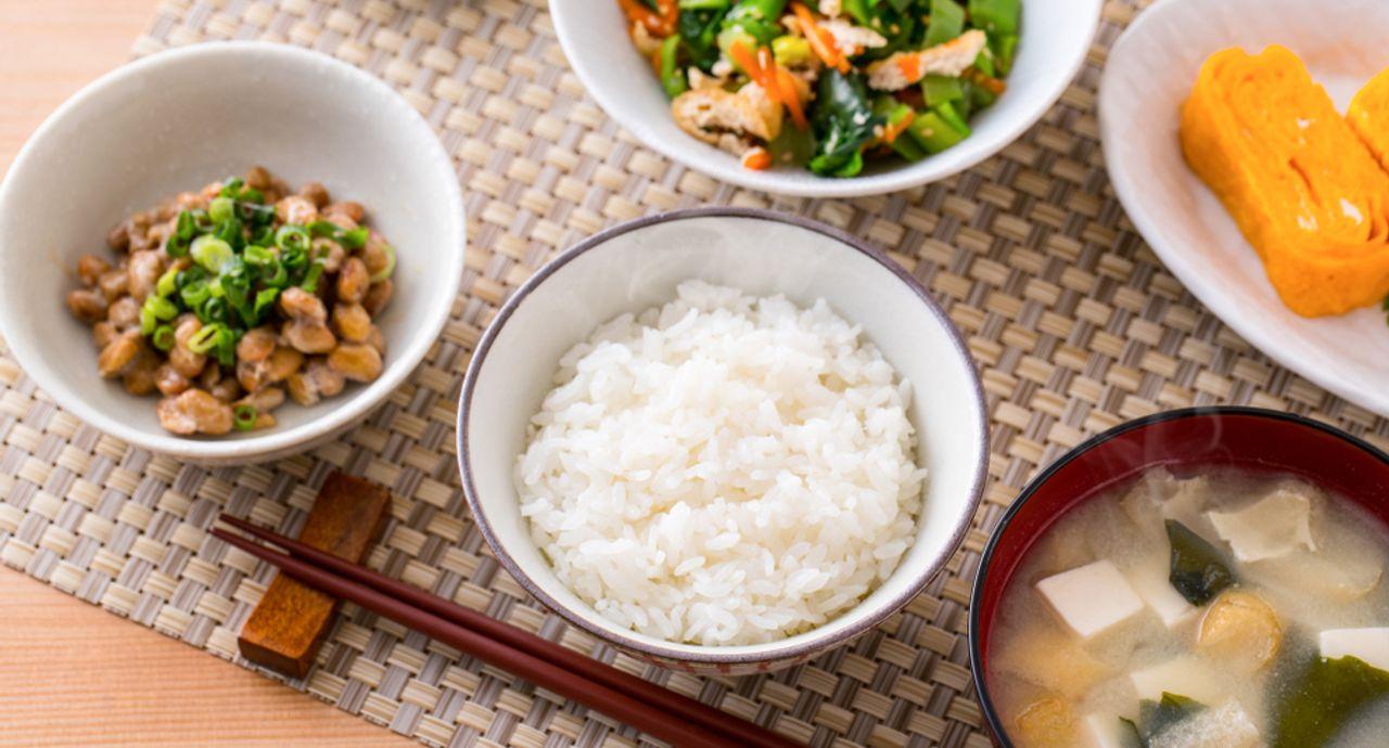 夕飯のおかずにおすすめ!簡単で節約にもなる美味しいレシピ14選