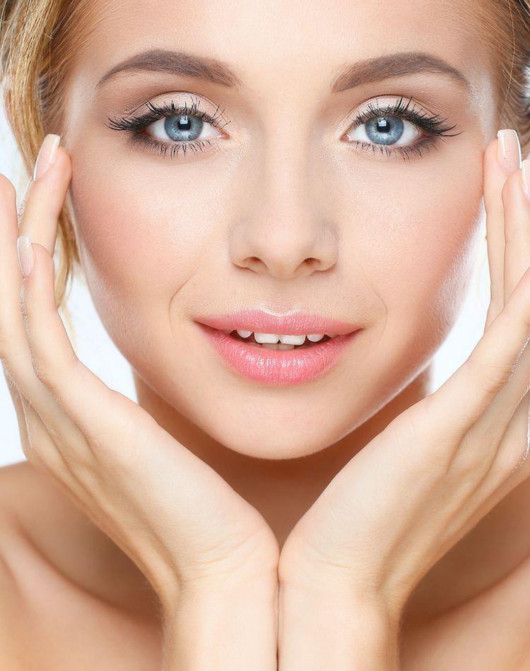 顎のシェーディングの入れ方とは?細く見せる方法や注意点とは