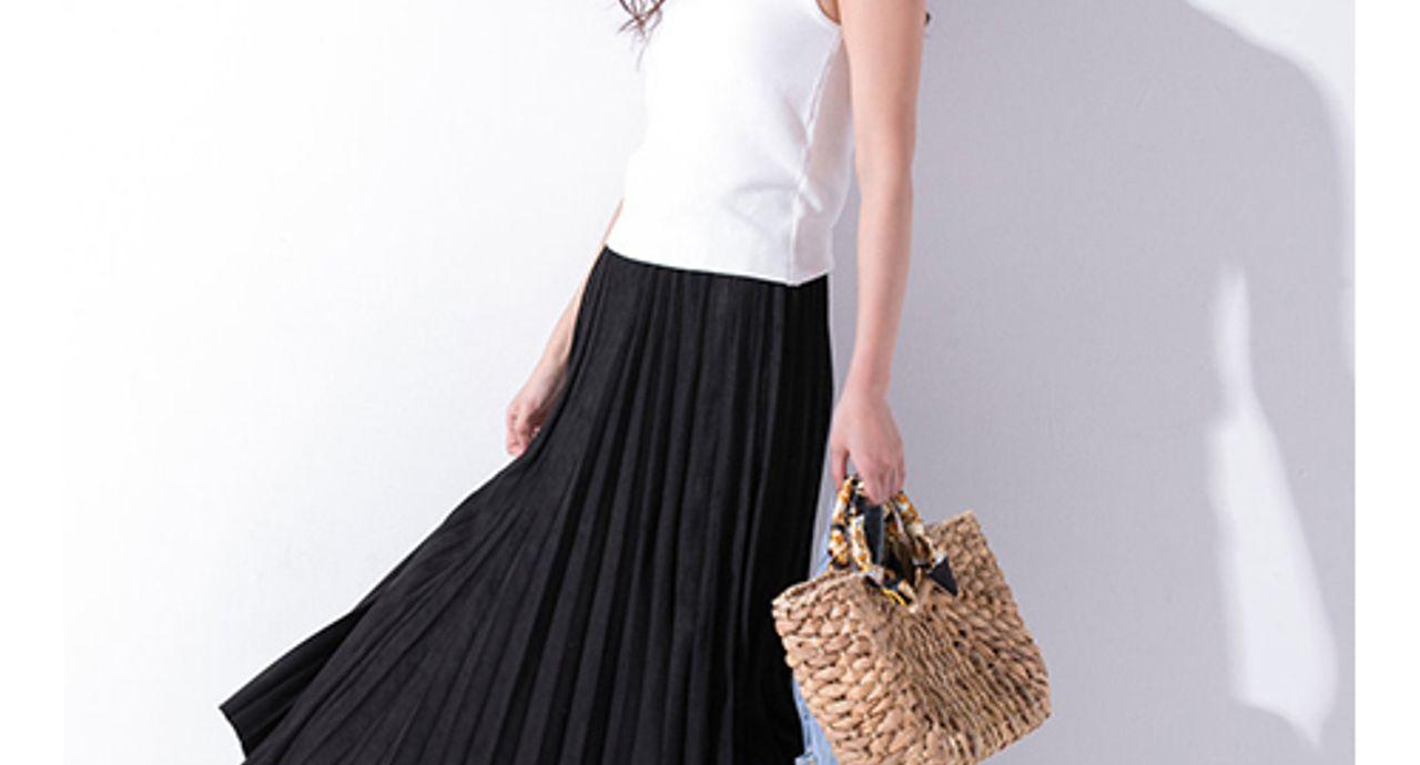 黒のロングスカートで叶える大人コーデ!季節別の着回し術を伝授
