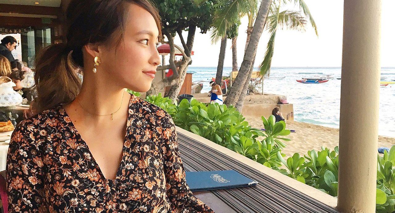 ハワイのディナーの服装にドレスコードはある?おすすめコーデご紹介