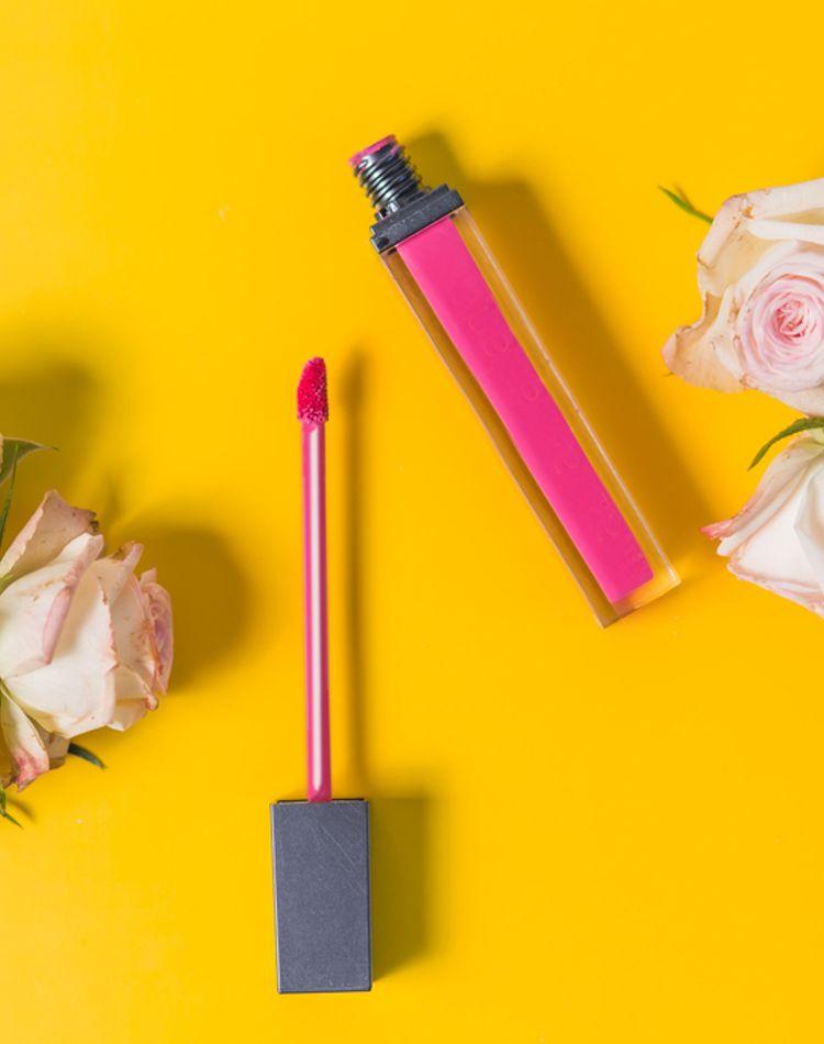青みピンクのリップが似合う人は?特徴やおすすめ商品をご紹介